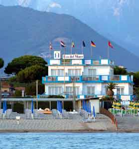 Beach With Reduced Rates Hotel Eco Del Mare In Marina Di Massa 3 Stars Hotels In Marina Di Massa