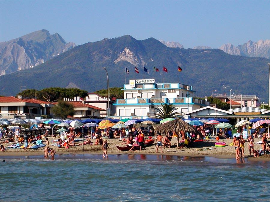 Matrimonio Spiaggia Marina Di Massa : Spiaggia hotel eco del mare a marina di massa spiagge